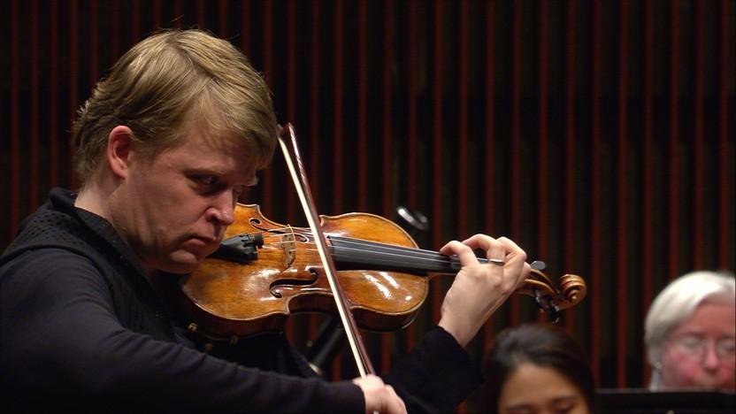 Pekka Kuusisto performs the Lindberg violin concerto